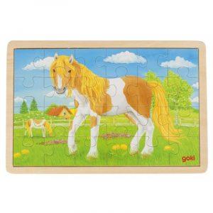 Puslespill i tre fra Goki. Hester i hestehage. 24 biter puzzle.