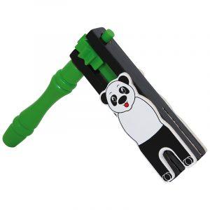 Skralle panda. Pandaskralle, rangle høy lyd