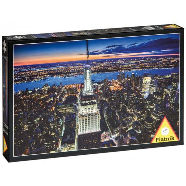 Puslespill New York by night. Et pusslespill med 1000 brikker fra Piatnik. Flott oversiktsbilde over New York by.