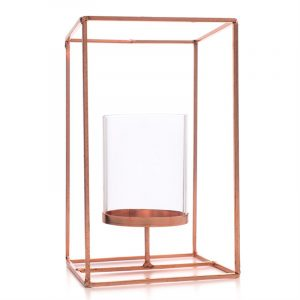 Moderne lysholder. Stearinlys. Kubbelys. Messing og glass.