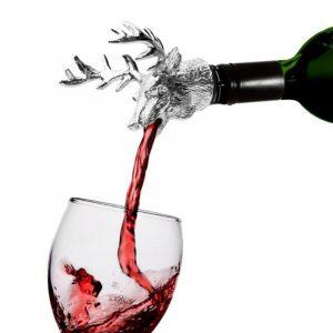 Skjenketut for vin. Hjort i solid utførelse. Helletut