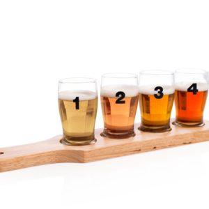 Ølsmakesett med 4 glass. Smak på øl med dette settet med 4 ølglass på planke.
