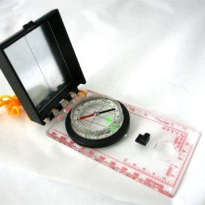 Kompass skolemodell med speil. Til orientering speider m.m.