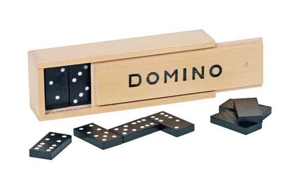 Domino spill med 55 brikker. Klassisk i tre eske.