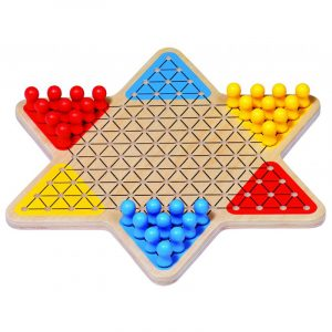 Spill i tre fra Goki. Kinasjakk basic i solid tre.