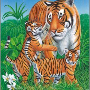 Puslespill av Tiger med barn som leker i gresset. Fra Larsen puslespillfabrikk.