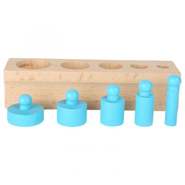 Sylindere og farger. Montesorri pedagogikk. Sammenligne, organisere, telle og måle.