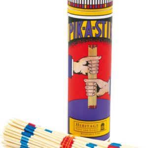 Nostalgisk Mikado spill. Bordspill med tre pinner. Også kalt pinnespill.