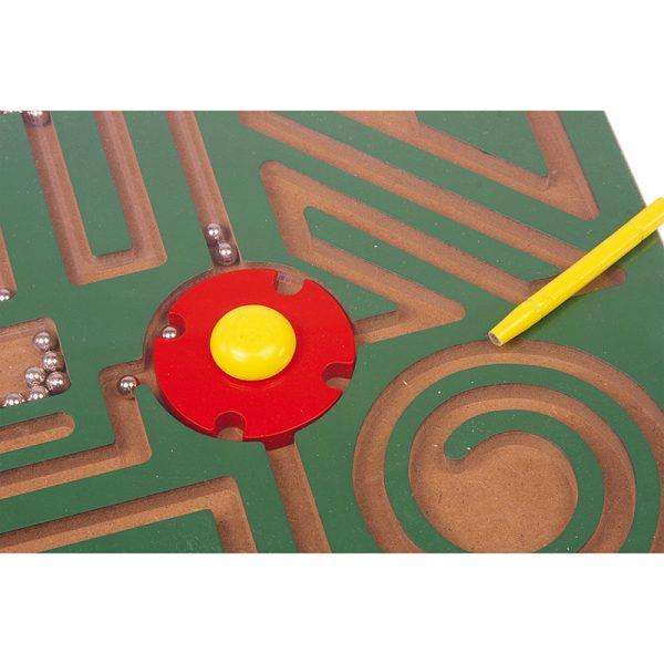 Magnet labyrint abstrakt. Magnetlabyrint, motorikk metallkuler.