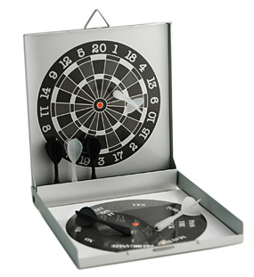 Magnetisk dart spill og beslutnings hjelper.