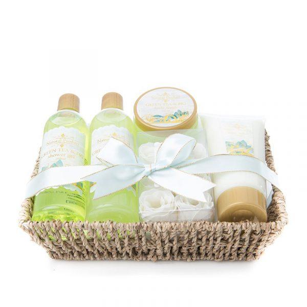 Spasett i kurv, Natural. Showergel, boblebad, body lotion, green tea.