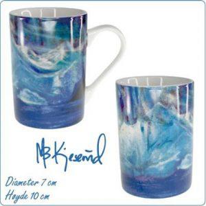 Kunstkrus May-Britt Kjesrud. Flotte krus av den kjente kunstneren May Britt Kjesrud. Med disse koppene kan du få deg en fin kopp kaffe.