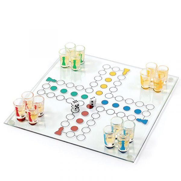 Drinking Ludo. 16 shotteglass, glass. Drikkespill, drikke spill.