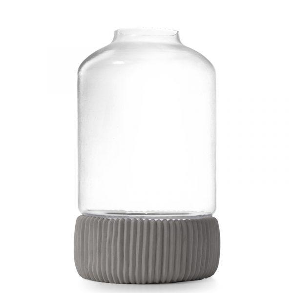 Glasslykt med betong bunn