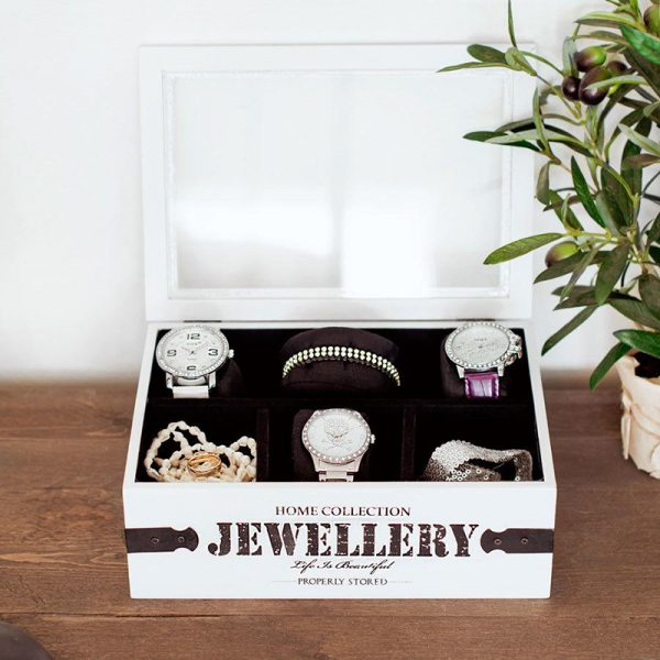 Smykkeboks i tre med glasslokk. Organiser smykkene dine. Tekst: Home collection Jewellery.