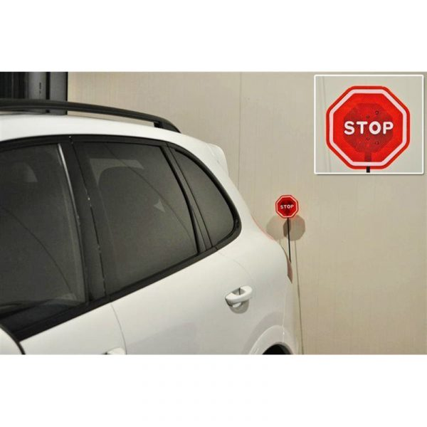 Parkeringshjelper med LED signal. Parkeringsalarm i garasjen.