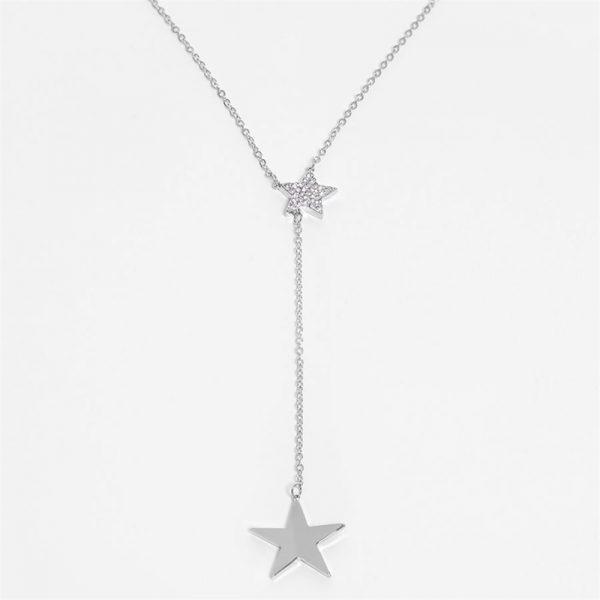 Smykke med stjerne anheng. Sølvfarget. Accessories