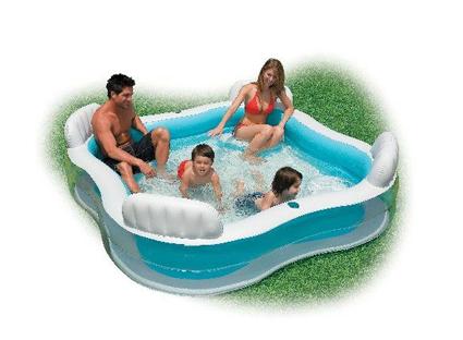 Intex familiebasseng. Badeleker fra habby fabrikken. Basseng for hele familien. Lounge pool.