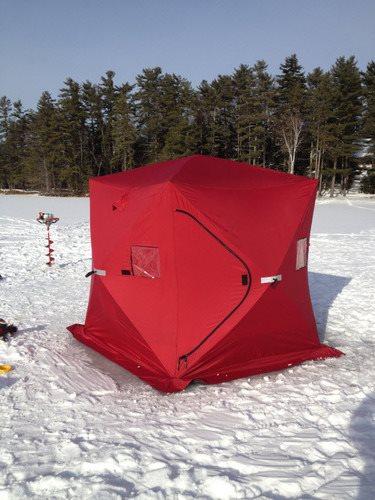 Isfisketelt enkelt å sette opp. Dette isfiske telt setter du opp på 30-60 sekunder med popup funksjon.