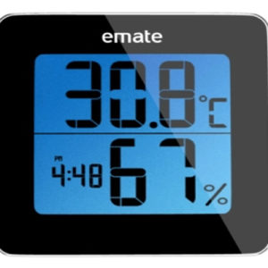 Digitalt thermometer med klokke. Et innendørs termometer som også måler luftfuktighet.