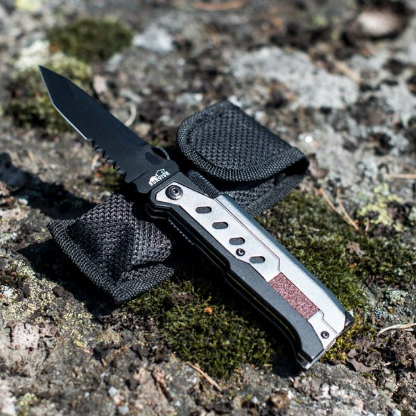 Multikniv med lys. Survival kit.