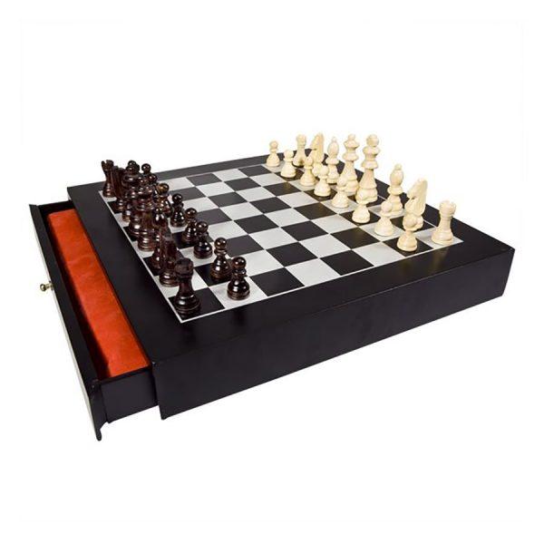 Sjakk spill. 33 x 33 x 5 cm.