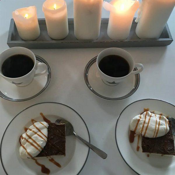 Kaffeservice til fire personer. 12 deler.