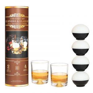 Glass og isbitform i gavepakning. Rocksglass. Drink med isbiter.
